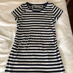 Liz Lange Maternity Tee Shirt Dress